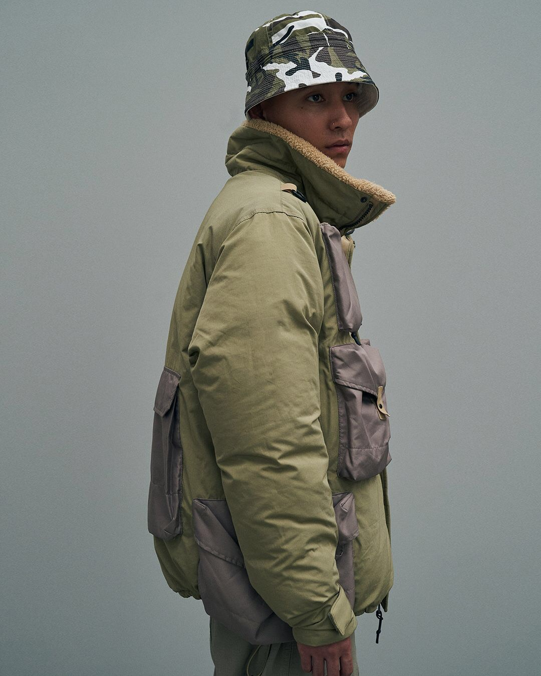 MULTI POCKET DOWN JACKET